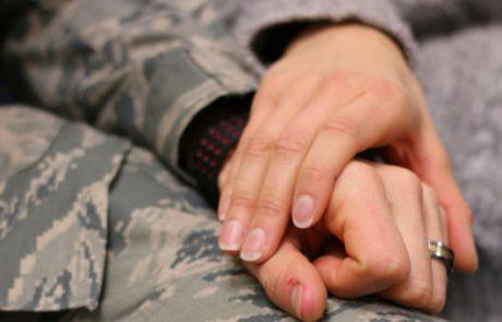 כיצד בן זוגי הסובל מ- PTSD שינה את חיי לנצח
