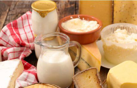יתכן כי חלב עתיר בשומן בריא יותר מחלב דל-שומן